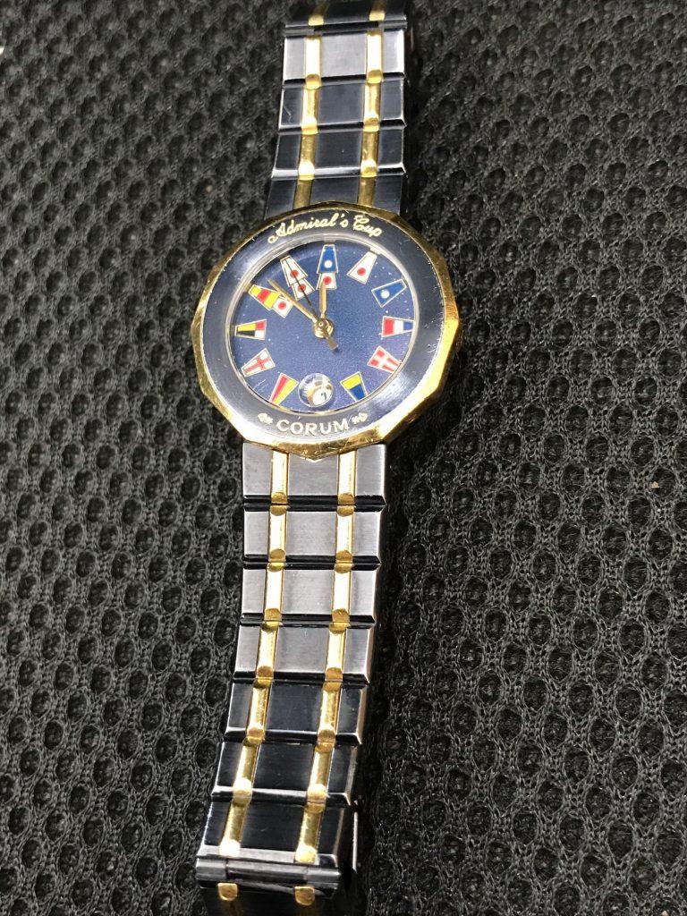 コルム腕時計