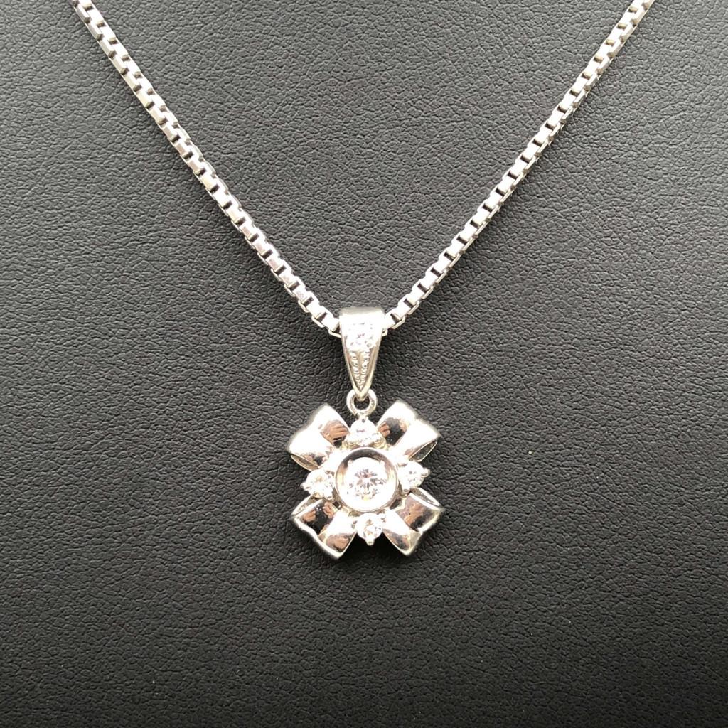 Pt900 ダイヤモンドネックレス
