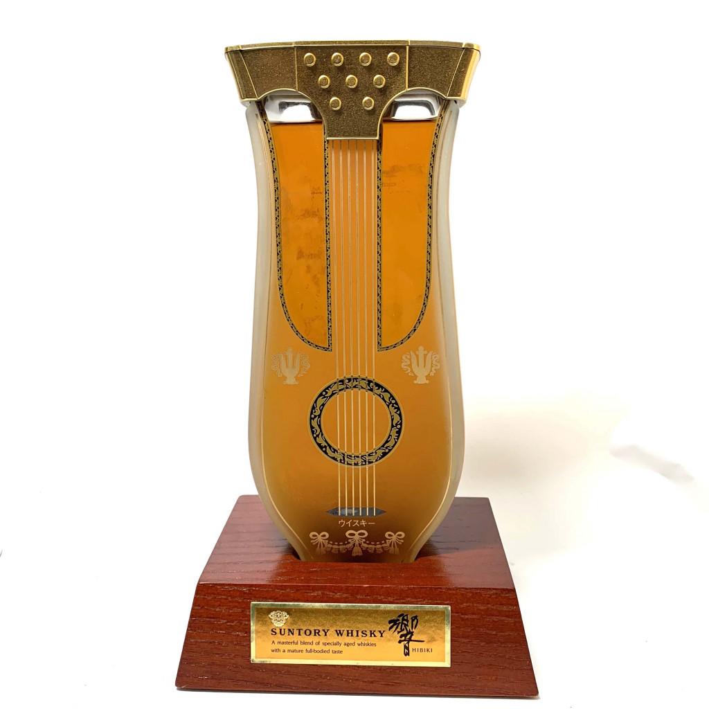 SUNTORY 響 リラギター型ボトル 600ml 43% ウイスキー