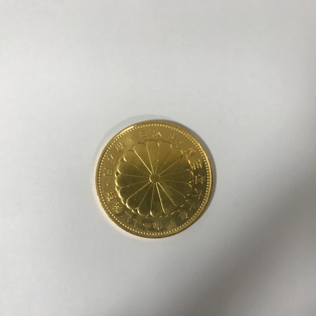 天皇陛下御在位60年記念 10万円金貨