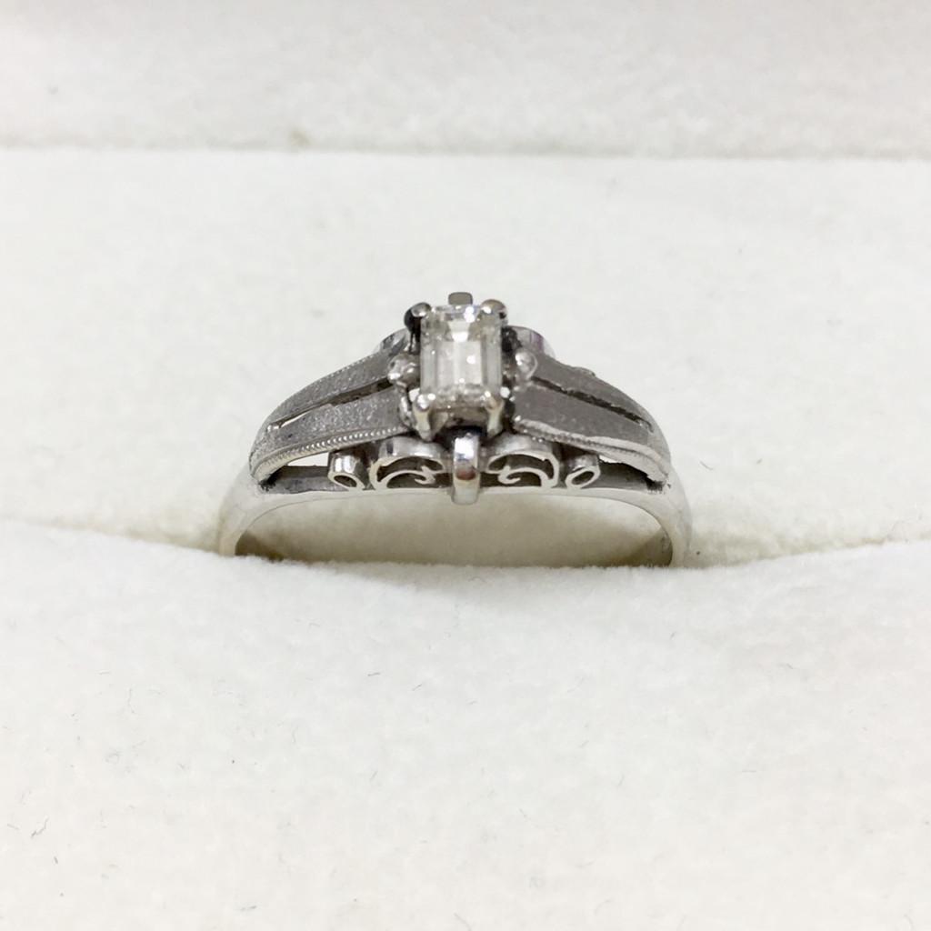 K14WG ダイヤモンド付きリング