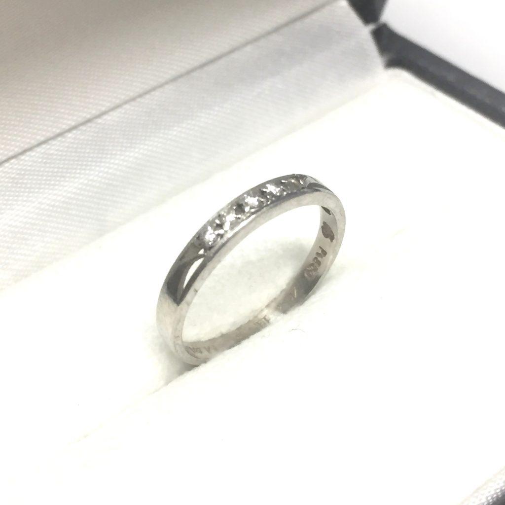 プラチナPt850の0.1ctメレダイヤ付きの指輪