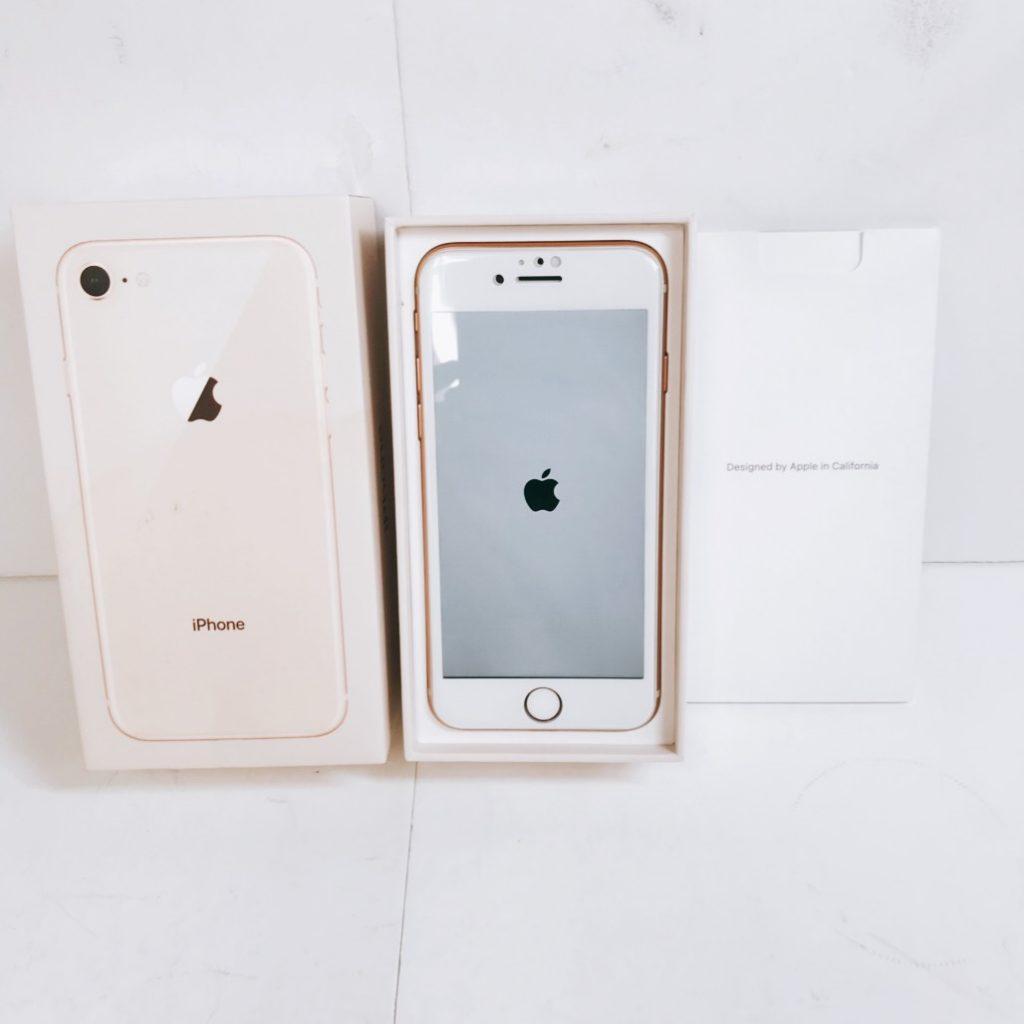 iPhone8 au 64GB ゴールド ネットワーク利用制限〇
