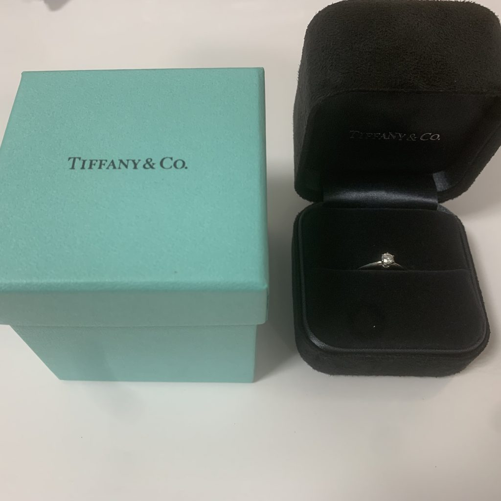 ティファニー pt950 0.18ctダイヤ