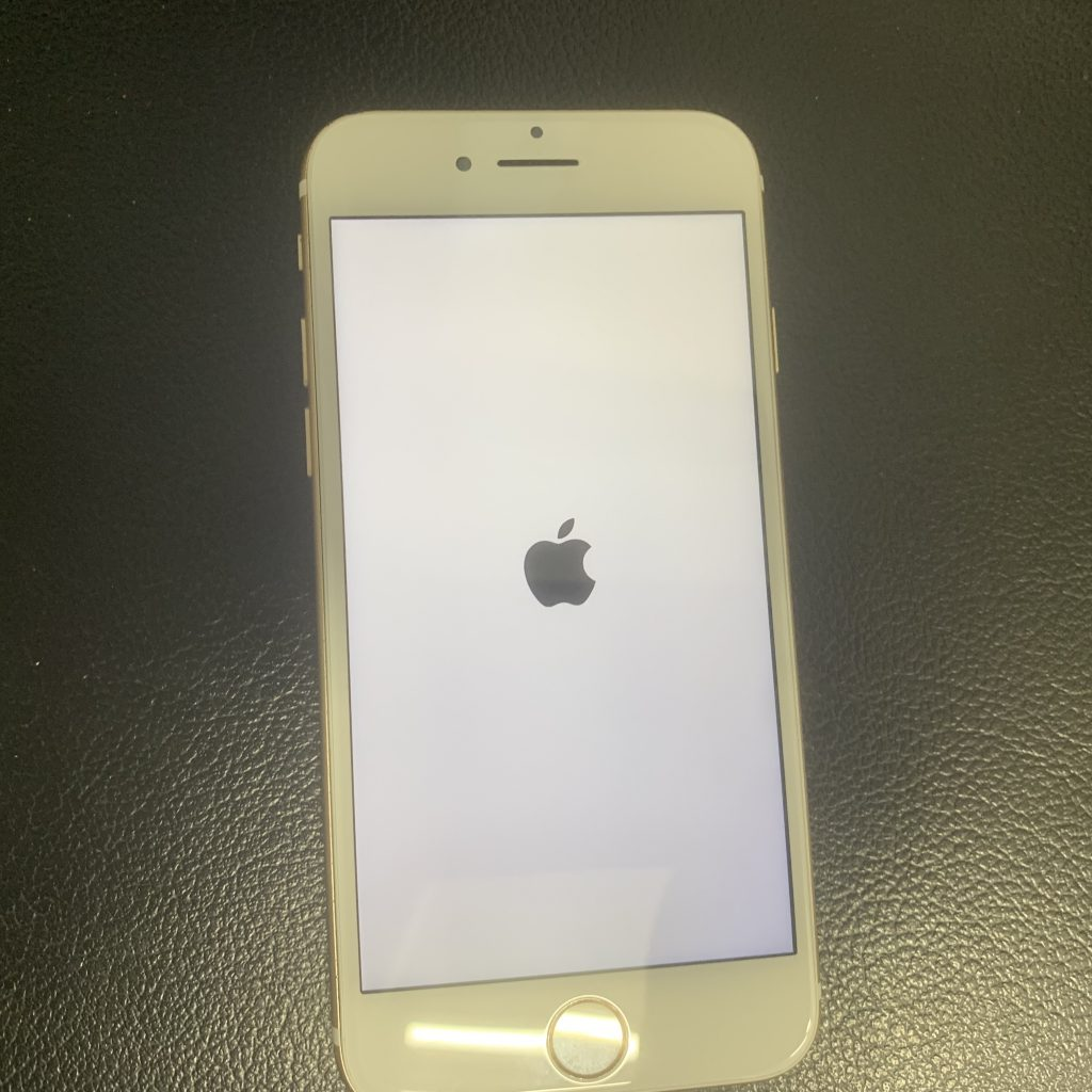 iPhone7 32G au