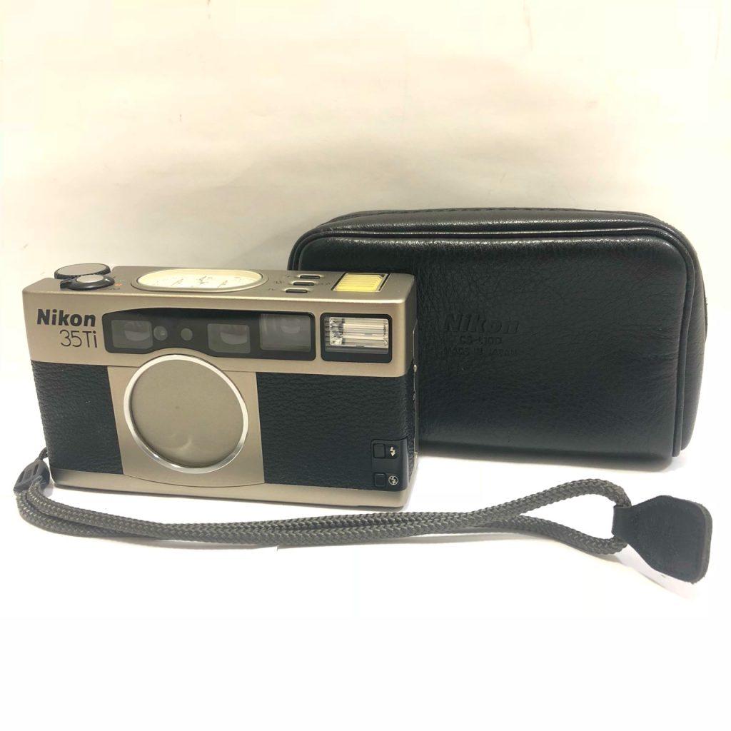 Nikon 35Ti カメラ