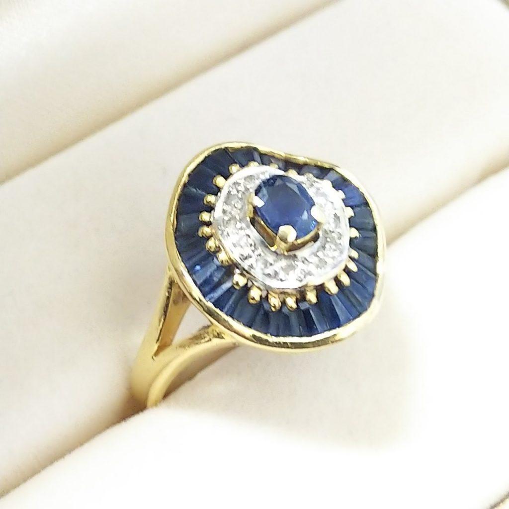 K18指輪サファイア1.5ctメレダイヤモンド付き
