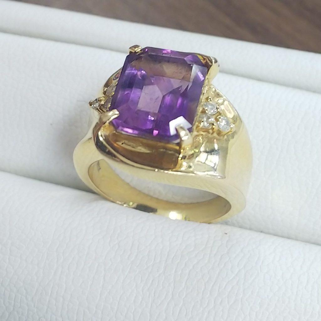 メレダイヤモンド0.1ctアメジストK18リング