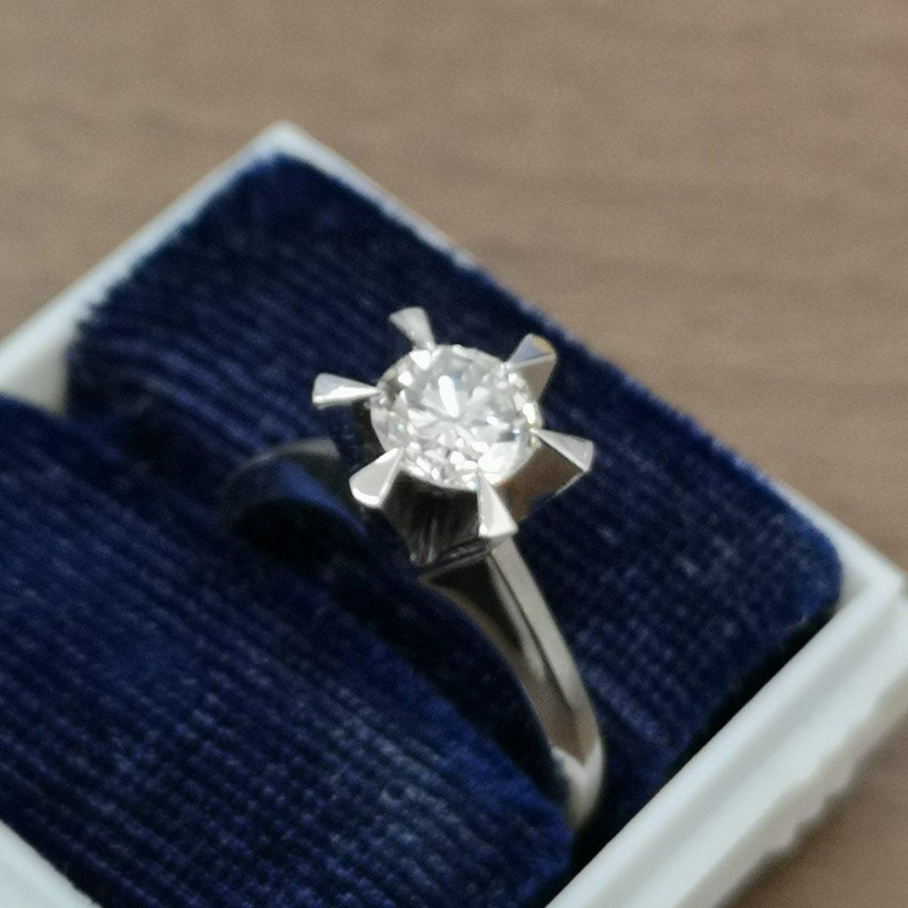 ダイヤモンドリング PT900 ポインターダイヤモンド1.02ct ラウンドブリリアントカット レディース 女性用