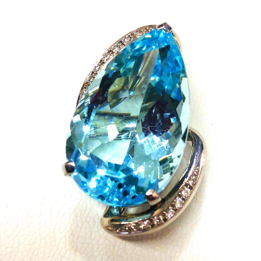 アクアマリンペンダントトップPt900 29.51ct ダイヤモンド