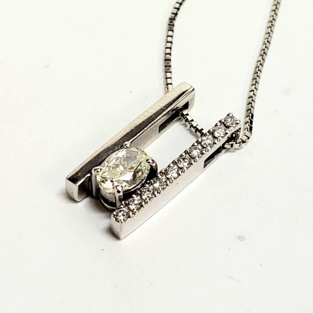 K18WG ダイヤモンド付ネックレス