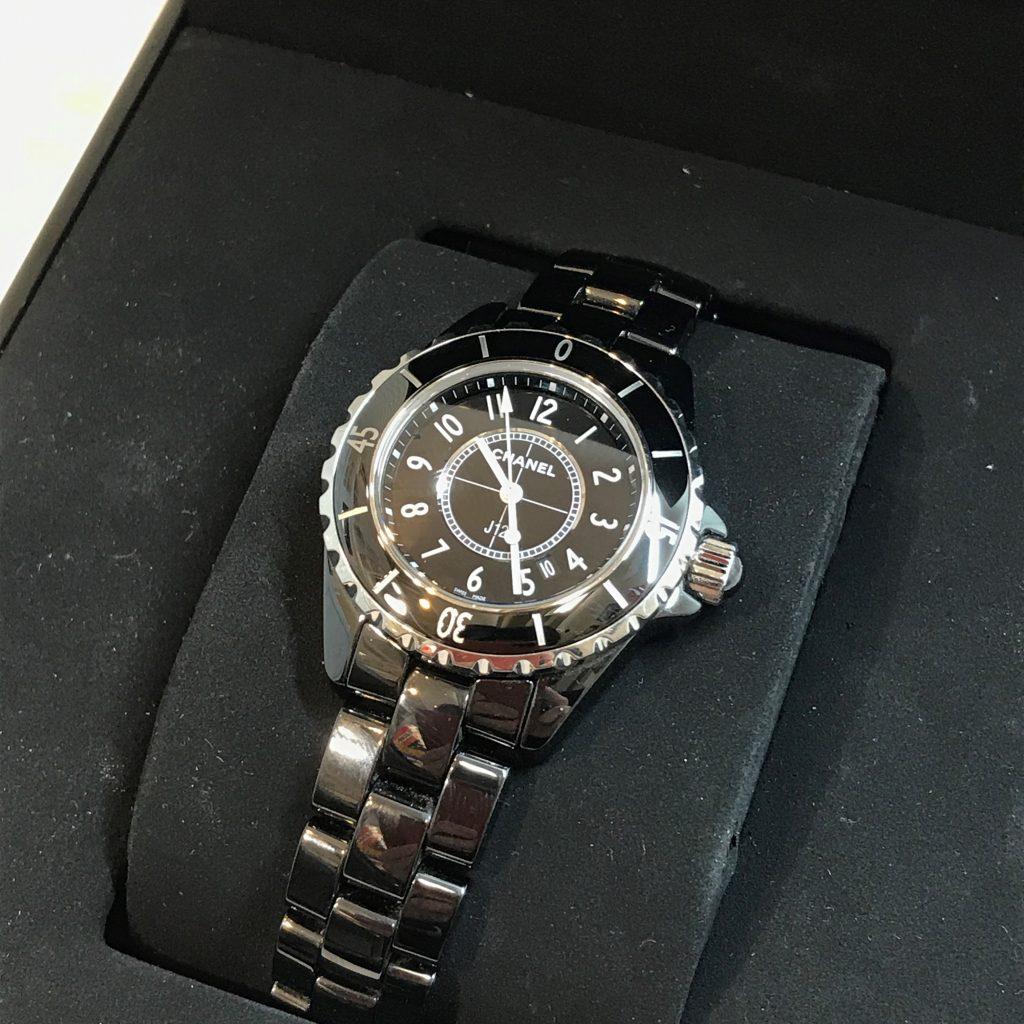 シャネル J12(ジェイトゥエルブ)腕時計