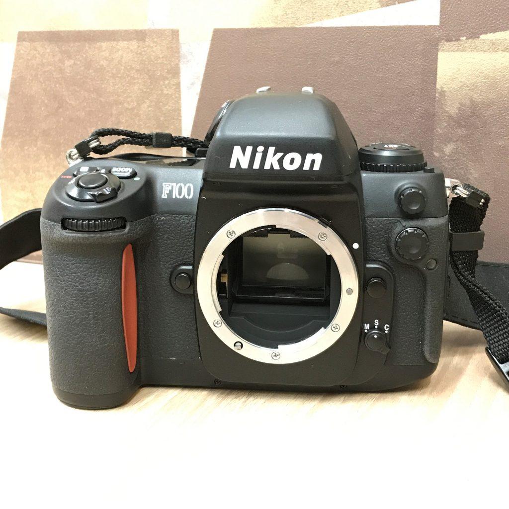 Canon F100 一眼レフカメラ