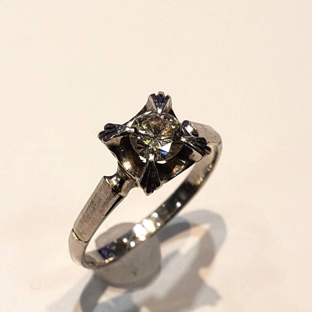 pt850 0.3ctダイヤモンドリング