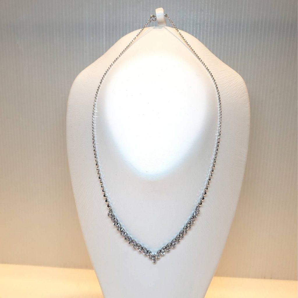 Pt900 メレダイヤ2.5ct付 デザインネックレス