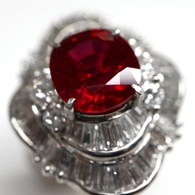 ルビー2.87ctテーパーダイヤモンドリング