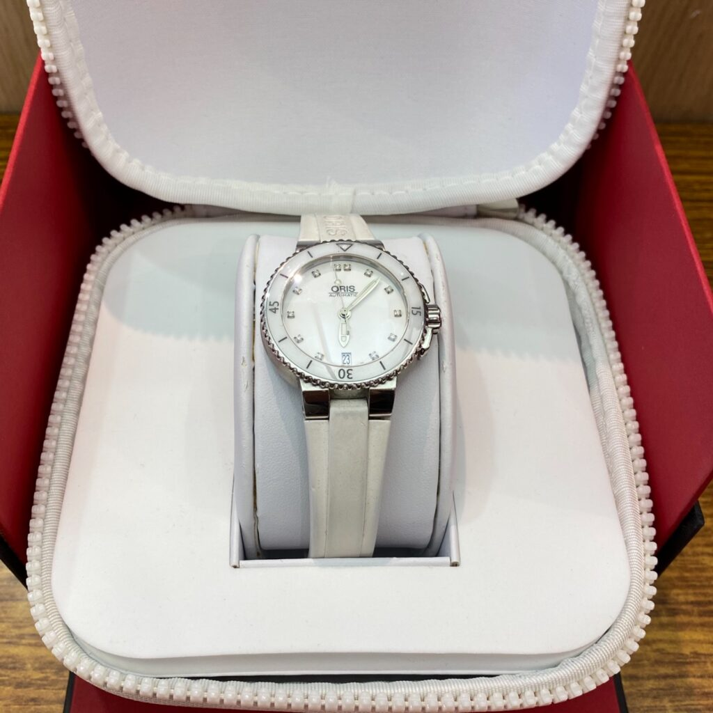 ORIS AQUIS DATE DIAMONDS AUTOMATIC オリス オートマチック 腕時計 ホワイト 白色