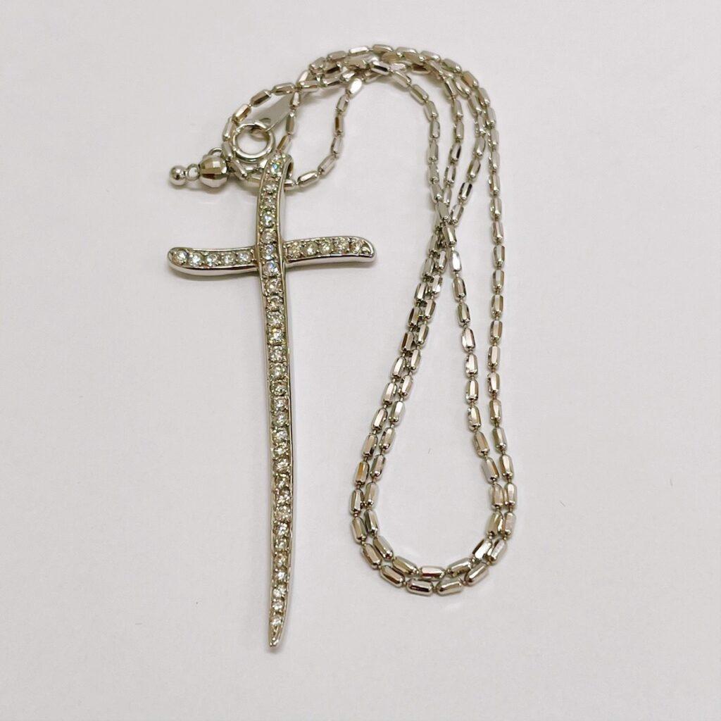 K18WG メレダイヤ付 クロスネックレス