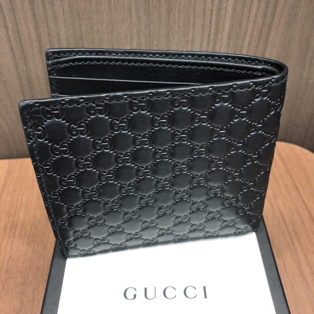 グッチ 二つ折り財布
