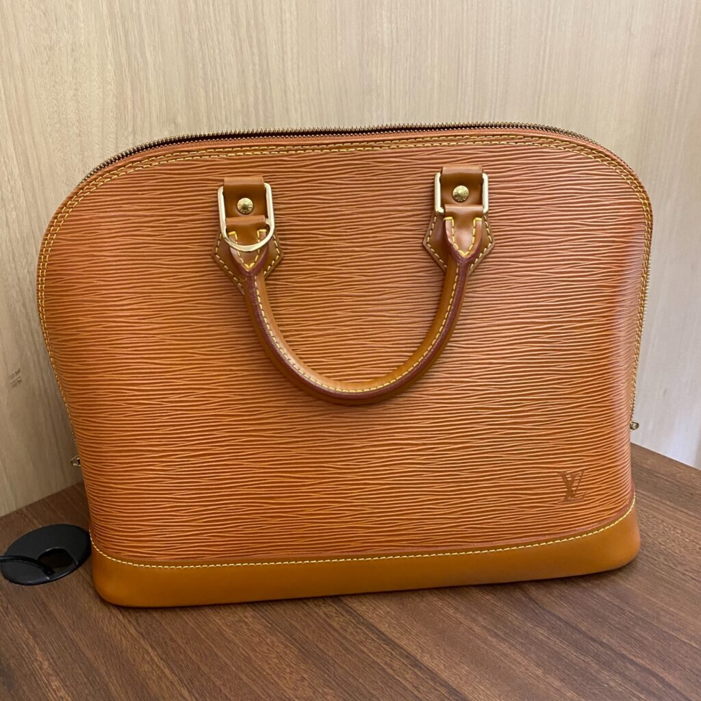 Louis Vuitton LV エピライン アルマ キャメル ブラウン ハンドバッグ レディース ブランド
