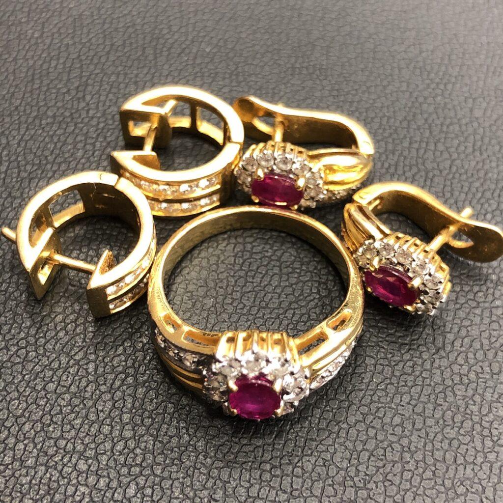 刻印なし リング ピアス サファイア ダイヤモンド
