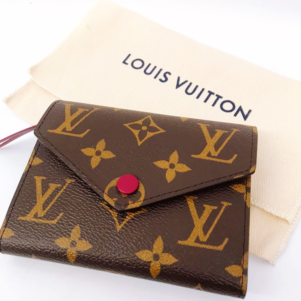 LOUIS VUITTON ルイヴィトン ヴィクトリーヌ