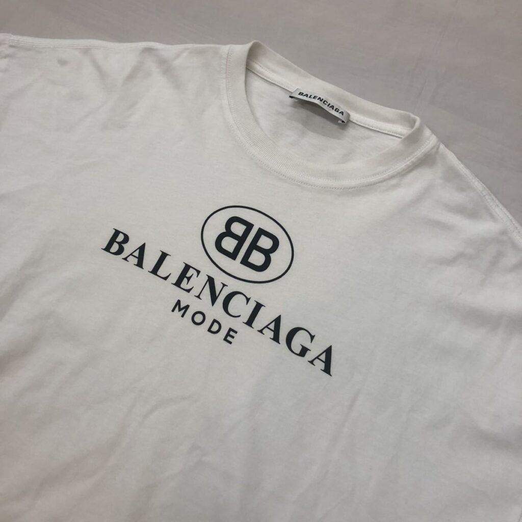 バレンシアガ ロゴプリント Tシャツ