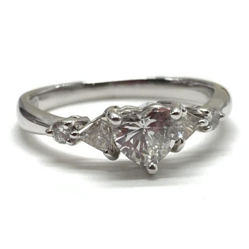 プラチナ ハートシェイプダイヤモンドリング