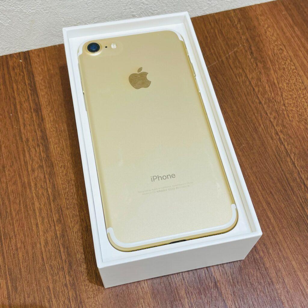 iPhone7 32GB ゴールド SIMロックあり