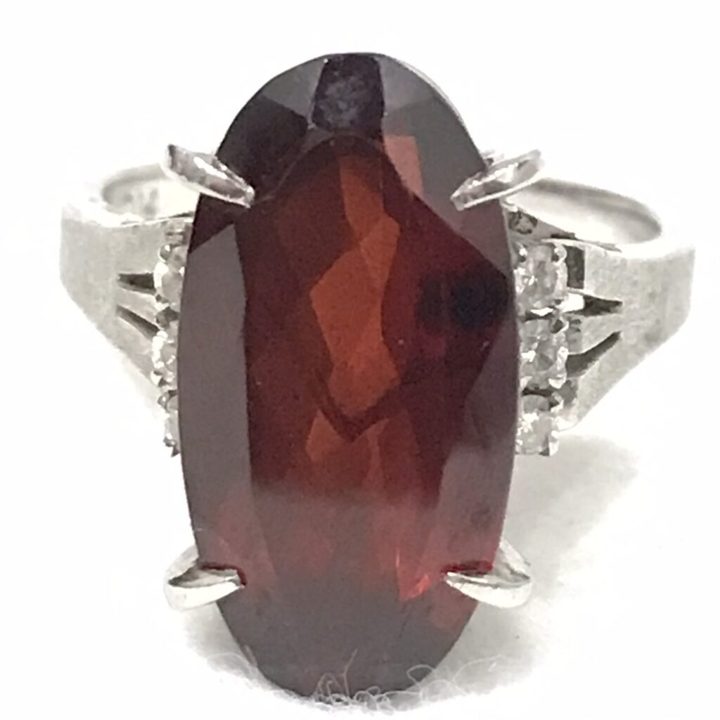 Pt900 ルビー5.3ct メレダイヤモンド0.8ct リング