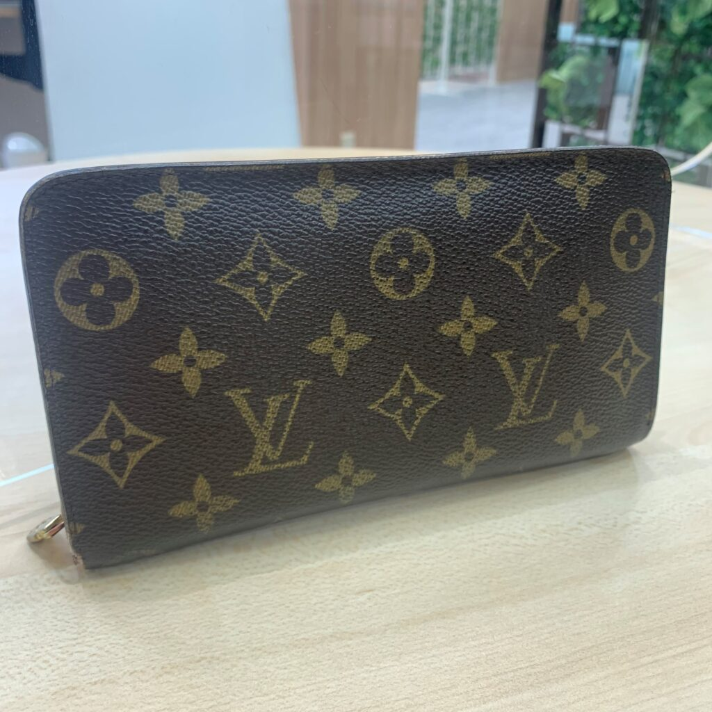 LOUIS VUITTON 財布
