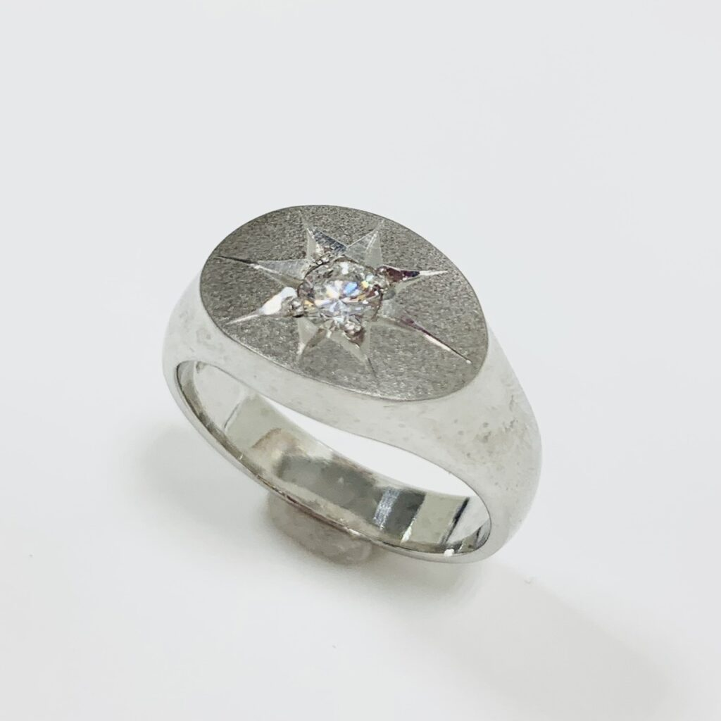 Pt900ダイヤモンド付リング