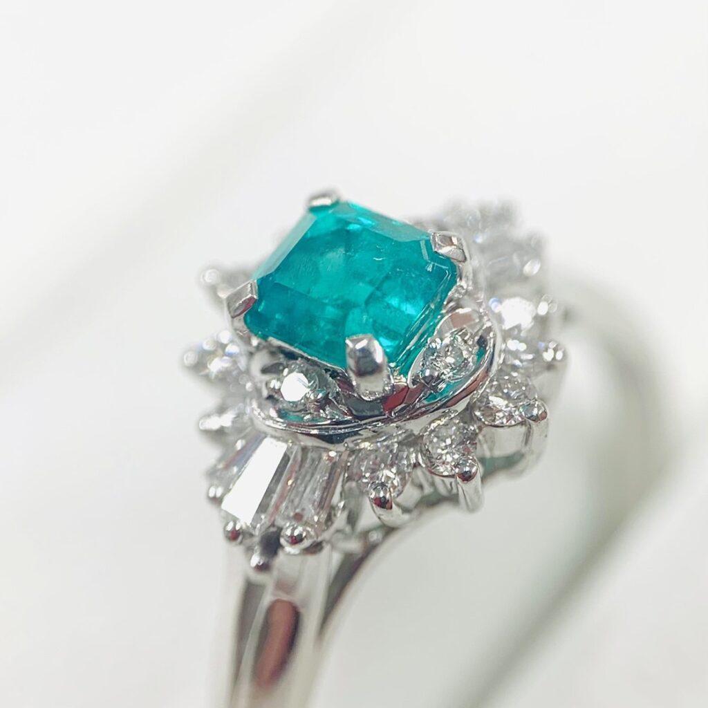 プラチナ850 エメラルド0.27ct メレダイヤモンド 0.46ct ジュエリーリング