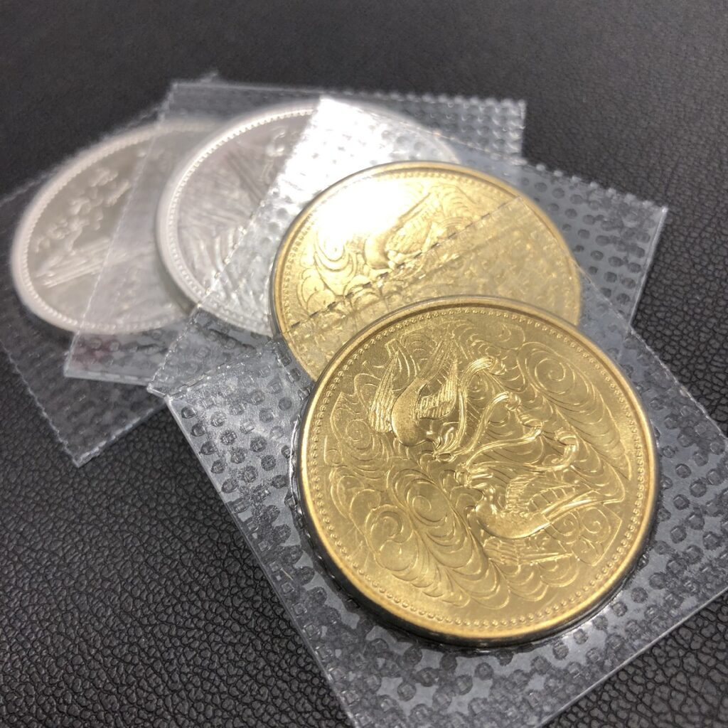 10万円金貨 1万円銀貨